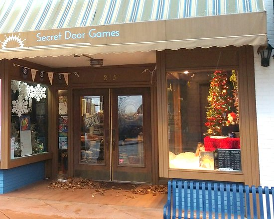 Elkhart, IN: Secret Door Games storefront on Main