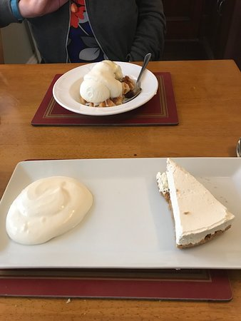 Alness, UK: Cheesecake and waffles