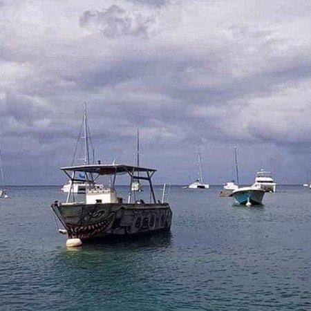 Le bateau du centre de plongée