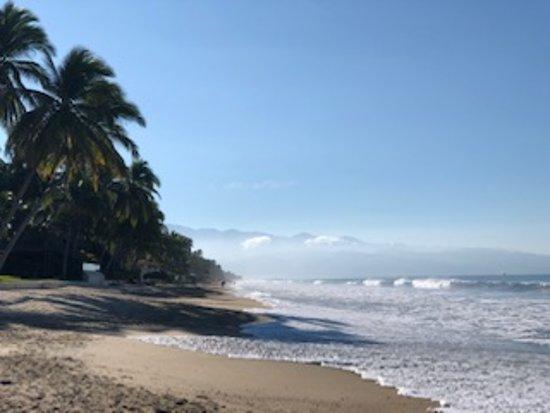 Beautiful beach for walking!