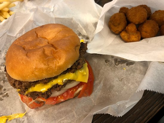 Harlan, KY: Double cheeseburger with fried mushrooms