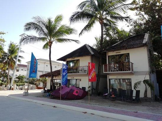 Hangin Kite Center