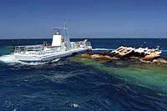 Semisubmarino Seaworld Explorer