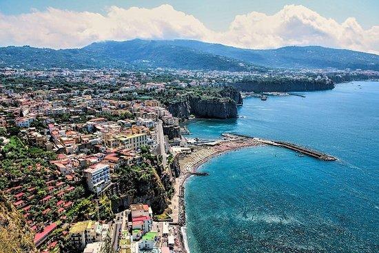 Sorrento e Capri vista mare da
