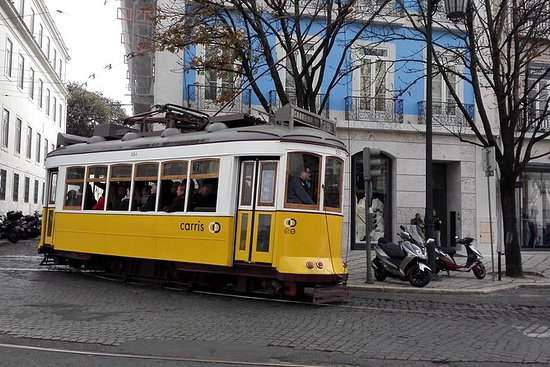 Lisboa Shore Excursion Private Small...