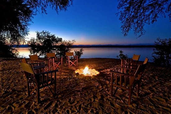 Simbabwe: Nights around a camp fire on a mobile safari with Taylors Africa in Zimbabwe!