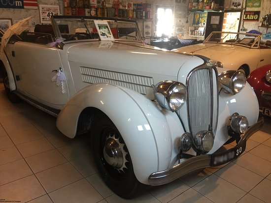 Musée Automobile De Camargue: Delahaye 134-M 1938 , véhicule du film l'été meurtrier