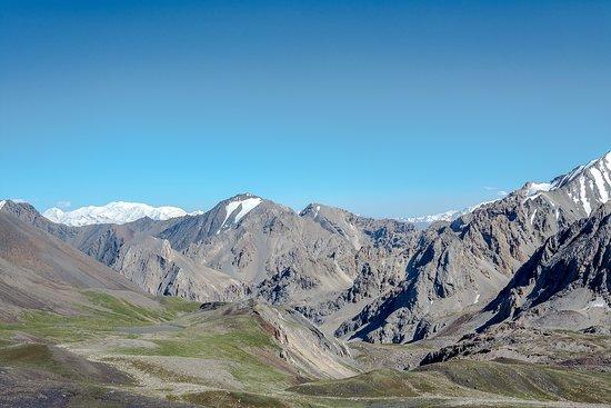 Osh, Kirgisistan: View of Lenin Peak in a distance