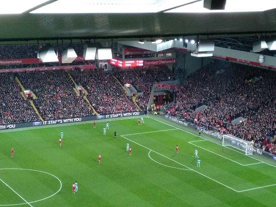 תמונה מAnfield Stadium