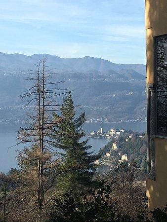 Vacciago, Italia: Vista sull'Isola di San Giulio