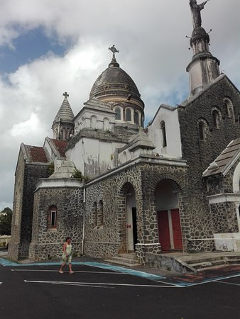 Balata Cathedral (Sacré-Coeur de Balata): Balata Cathetral