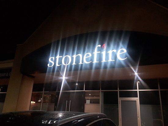 Stonefire Bar and Grill: signage store front