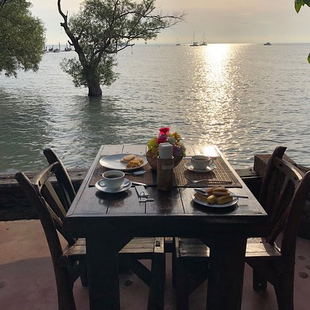 Sunrise Tropical Restaurant: Il perfetto inizio anno  Struttura super organizzata, mangiare squisito, pulito e personale super efficiente e molto simpatico