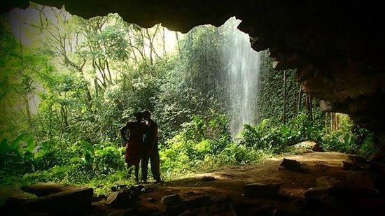 Kumbo, Cameroon: Kingomen Cave