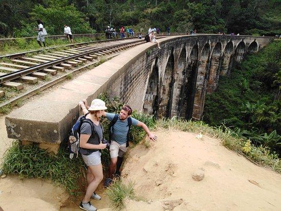 Demodara Nine Arch Bridge: Haputale to Ella visit contact me