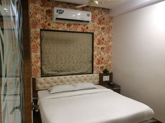Narsinghpur, الهند: Neat and Clean Bed Room