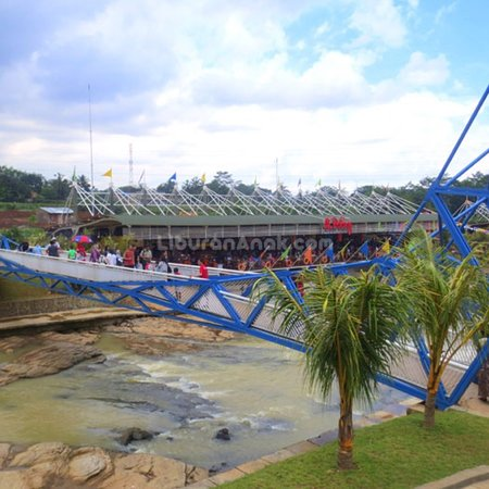 Floating Market Ah Poong Picture