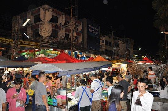 Pak Chong market