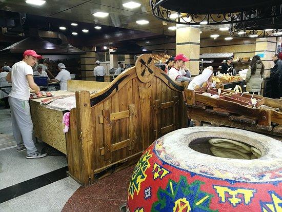 Aparan, أرمينيا: The bakery