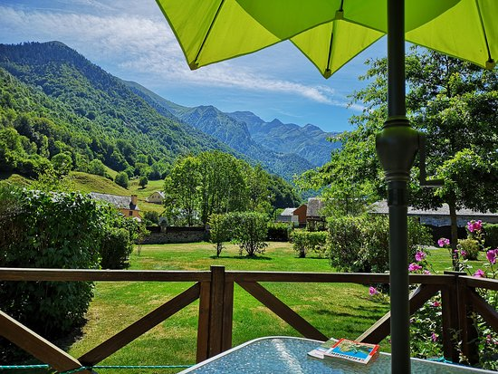 Estaing, France: View to the higher mountains (more than 6.000 feet) from a Mobile Home