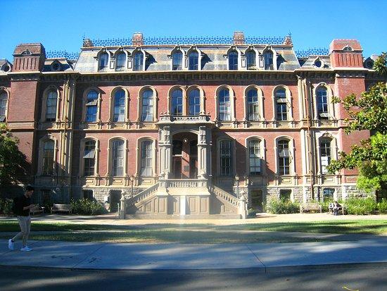 University of California, Berkeley: South Hall