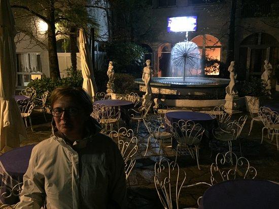 Caluso, Italy: Esterno notturno