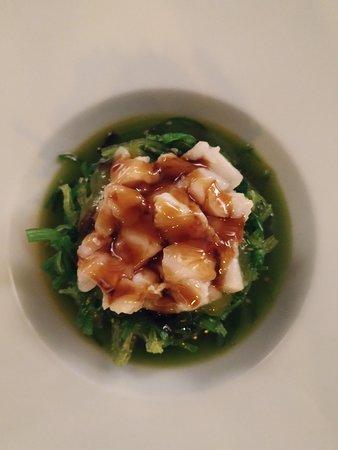 Ensalada de algas y pez mantequilla. Excelente y abundante