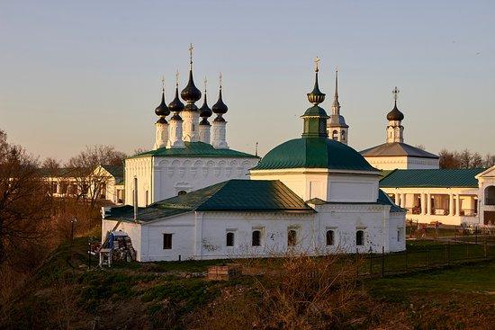 Church of the Entry into Jerusalem and Pyatnitskaya Church