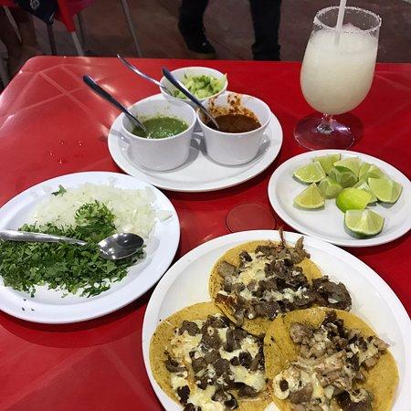 Tacos rigo zona hotelera照片