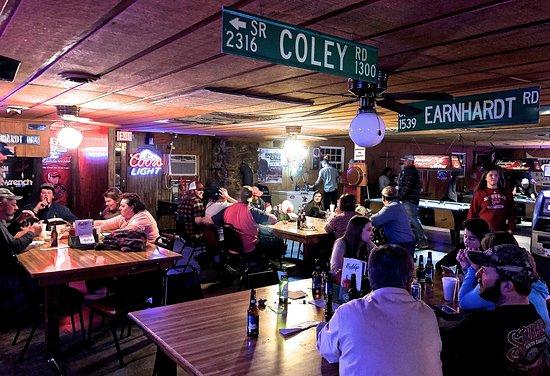 New London, NC: Buddy's Tavern