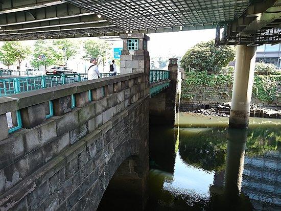 Hitotsubashi Bridge
