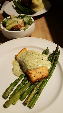 Oven roasted salmon with aioli dressing