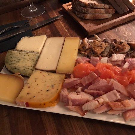 Super wine bar