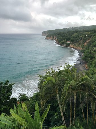 Looking south over Woodlands Beach from up on the cliff