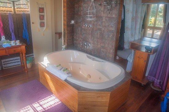 Spa bath for 2
