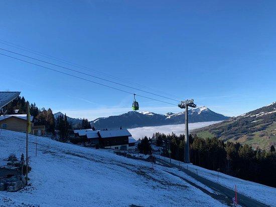 Sattel, Schweiz: Skigebiet auf dem Hochstuckli