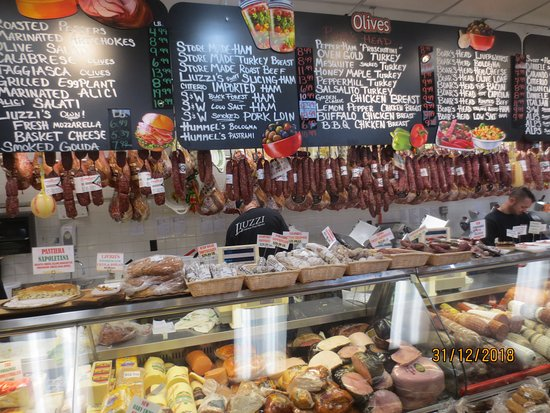 North Haven, CT: deli section