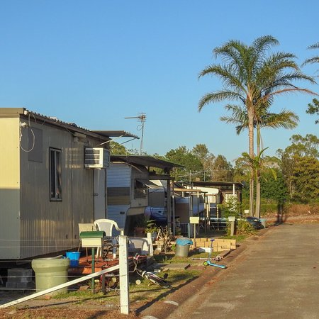 Raymond Terrace, Australia: Bellhaven Caravan Park - untidy mess