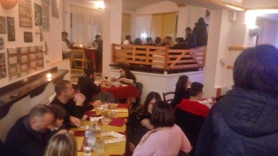 Marina San Gregorio, Италия: Serata fantastica complimenti ragazzi