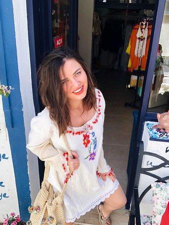 Bozcaada, Turquía: Blogger ve Influencerlarin Bildigi, Takip Ettigi ve Alisveris Yaptigi Bir Markayiz,