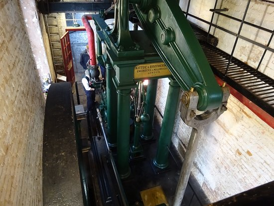 Uffculme, UK: The 1867 beam engine about to be started