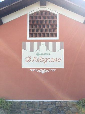 Gallicano, Itálie: Decorazione esterna