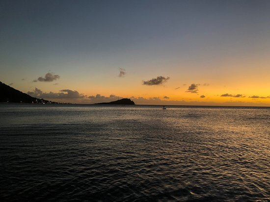 Soufriere, Dominica: Another lovely sunset from Bubble Beach (a 15 minute walk away).