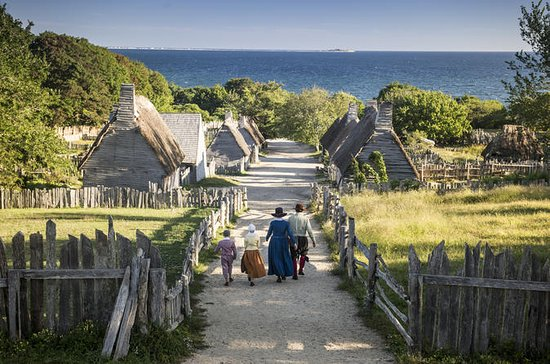 Plimoth Plantation, Mayflower II og...