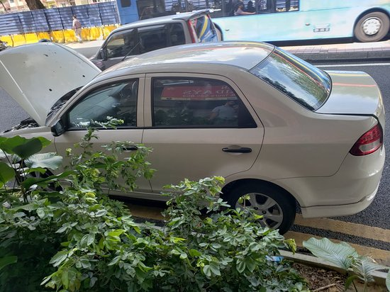Paradise Rent-A-Car