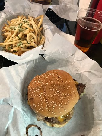 Inclined Burgers And Brews