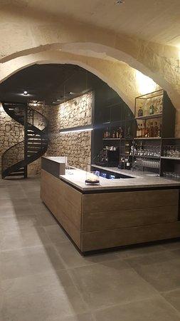 Vinaccia: Bar Area