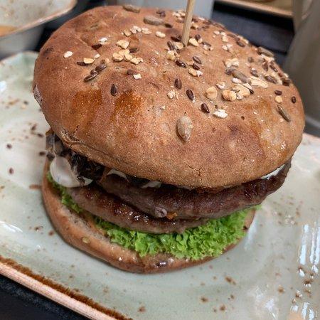 תמונה מHANS IM GLUCK German Burgergrill