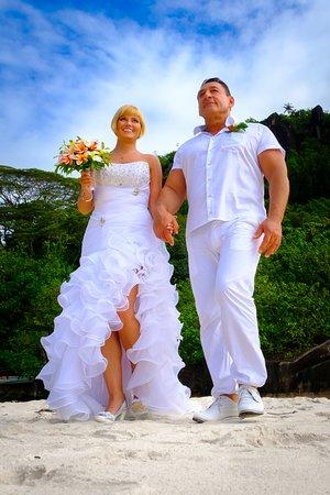 אנסה לואי, סיישל: Beach wedding in Seychelles. Creative photography after the wedding. Anett&Imi'