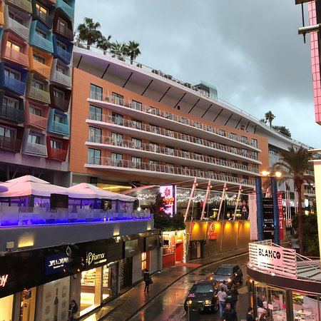 Bay Street Shopping Centre (Saint Julian s) - 2019 All You Need to ... fbb1d7bf9f3